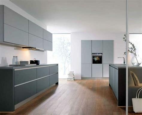 cuisine fond blanc cuisine gris anthracite 56 idées pour une cuisine chic