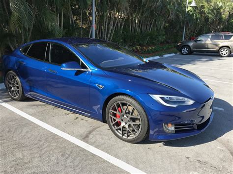 Early Tesla Model S P100d Sets 1/4 Mile Record With 10.723