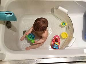 BabyDam Bathtub Divider The Green Head