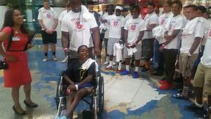 All Star Football Players Visit Valley Children's Hospital ...