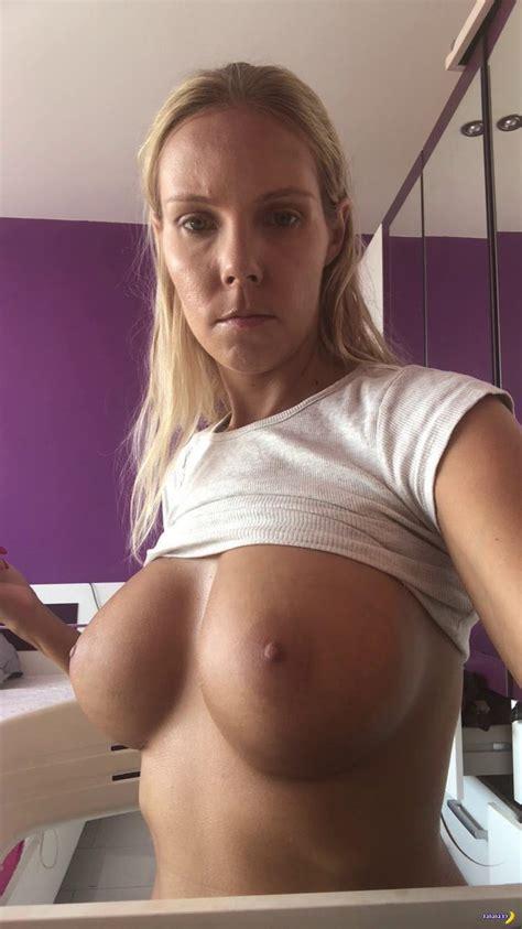 Sexy Amateur Milf Selfie Djp215