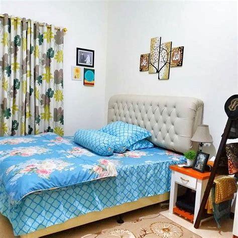 dekorasi kamar tidur warna biru dongker menghias kamar