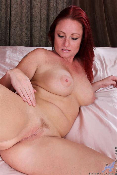 Redhead MILF Sandi Lymm Make Her Fingers Busy MILF Fox
