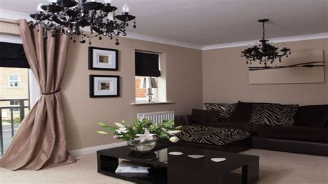 Dining room accessories ideas, black white and tan living