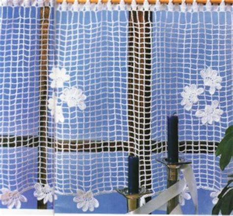 table ronde cuisine rideau au crochet filet brise vue quot plumetis de fleurs