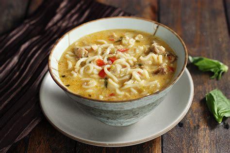 coconut curry chicken soup soupaddictcom