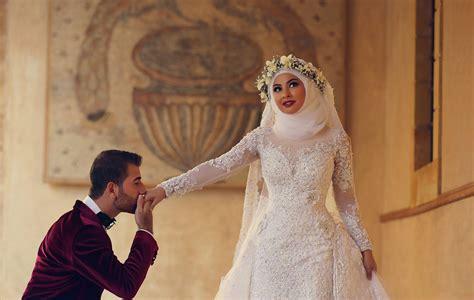 Latest White Lace Long Sleeve Arabic Bridal Dresses Formal