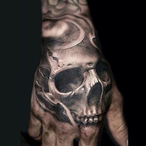 tatouage t 234 te de mort sur pour homme image sombre et photos