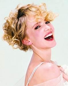 Cheveux Court Bouclé Femme : cheveux courts fris s femme ~ Louise-bijoux.com Idées de Décoration