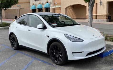 As a surprise move today, tesla is reducing the price of the model y, the automaker's latest vehicle by $3. Quick Compare: 2020 Tesla Model 3 Vs Model Y After $3,000 ...