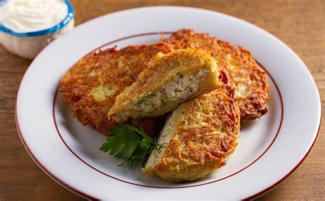 Kartupeļu un biezpiena pankūkas - Jauns.lv