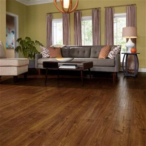 Pergo Flooring Installed Home Depot by Trending In The Aisles Pergo Outlast Laminate Flooring