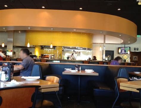 california kitchen cafe review of california pizza kitchen 33305 restaurant 2301 n fed