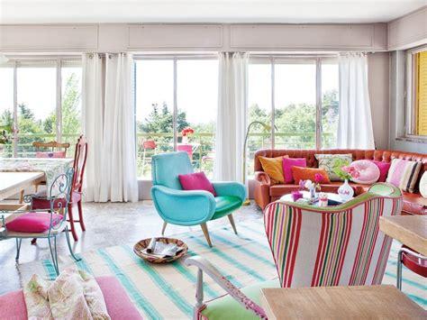 una casa vintage colorida  vitalista colorfull vintage