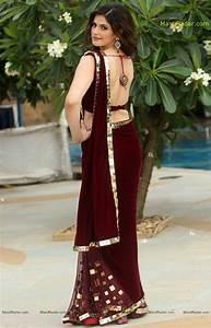 Zarine Khan Latest Hot Photos In Saree