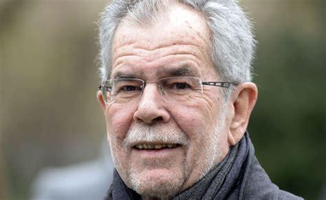 Alexander van der bellen, leader of the greens, during final event of election campaign in wien museum at karlsplatz. Van der Bellen als Sieger bei Wetten auf die Hofburg-Wahl | VIENNA.AT