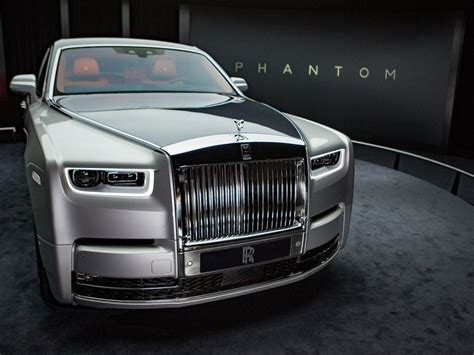 roll royce rolls royce phantom pictures features business insider