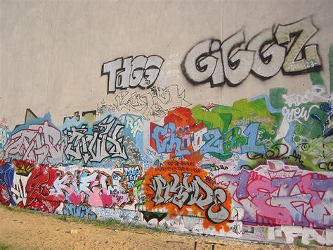 Graffiti Video : Misconception [graffiti Music Video]