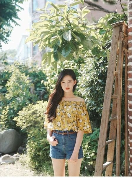 2017 Summer Trend Korean Fashion Style Ideas You Need to Try u00bb Celebrity Fashion Outfit Trends ...