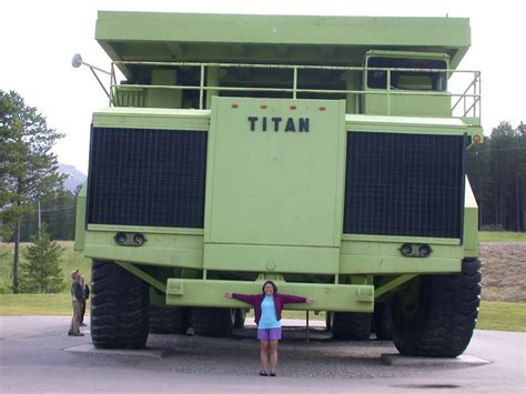 Largest Car In The World by In The World S Largest Car