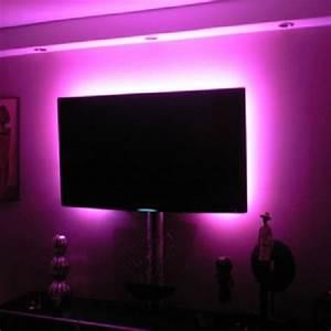 Decoration Led Interieur : ruban lumineux led rvb lumineuse ~ Teatrodelosmanantiales.com Idées de Décoration