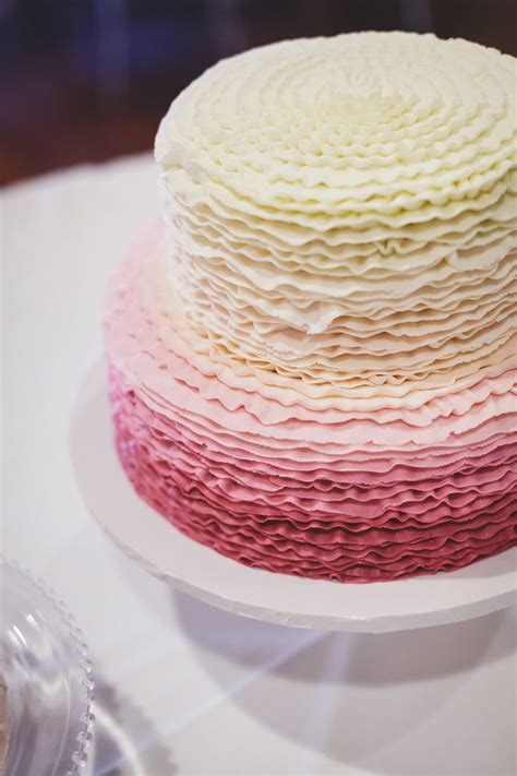 1000 Images About Cakes Rufles And Ombre On Pinterest