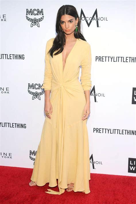 Emily Ratajkowski – The Daily Front Row Fashion Awards in LA