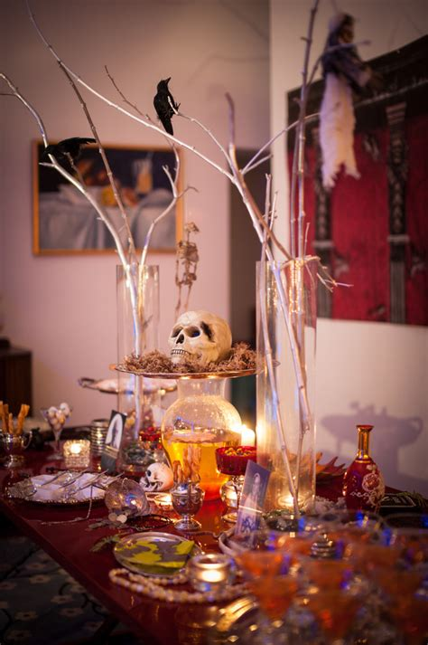 21 Funny & Cute Ideas For Halloween Table Decorations