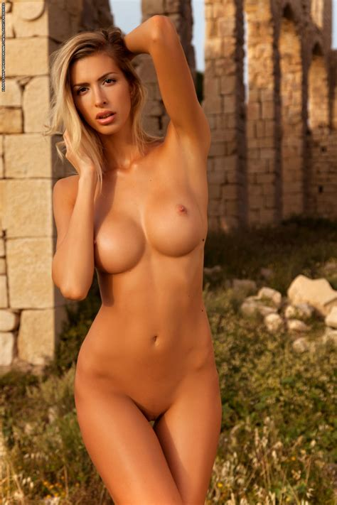 Claudia Photodromm Free Pics Videos And Biography