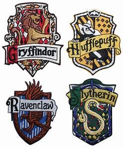 Ensemble de 4 maison de Poudlard crêtes Robe emblèmes Harry