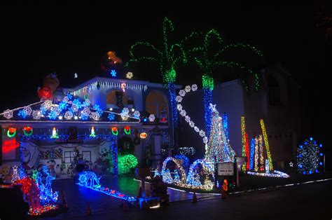 top spots to see decorations 171 cbs miami
