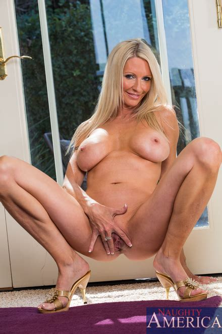 Auditioning The Nasty Way With Emma Starr Milf Fox