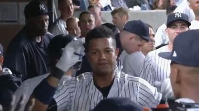 Interview Run Yankee Pretend Players Keepgif Gifs