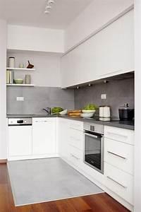 Küche Fliesen Ideen : farbgestaltung k che ideen wei e schr nke matt graue fliesen k chenr ckwand spritzschutz ~ Sanjose-hotels-ca.com Haus und Dekorationen
