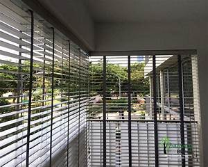 Outdoor pvc wooden blinds gallery balconyblinds for Apartment balcony blinds