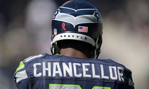 kam chancellor bests russell wilson   seattle
