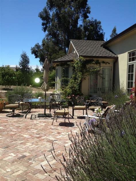 tuscan inspired backyards tuscan backyards 28 images tuscan backyard retreat traditional patio toronto beautiful