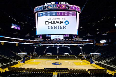 warriors troll lakers  chase center scoreboard