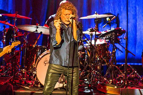 robert plant moves     concert review