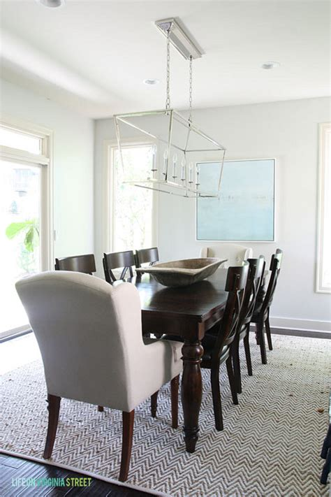 linear chandelier dining room interior design ideas home bunch an interior design