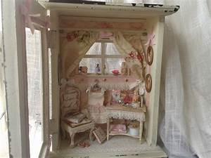 Shabby Chic Vitrine : vendue vitrine miniature shabby chic maison de poup es bo tes coffrets par cannelle ~ Eleganceandgraceweddings.com Haus und Dekorationen