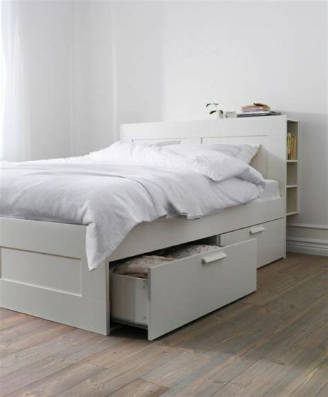schlafzimmer bett ikea bett mit schubladen praktisch und modern archzine net