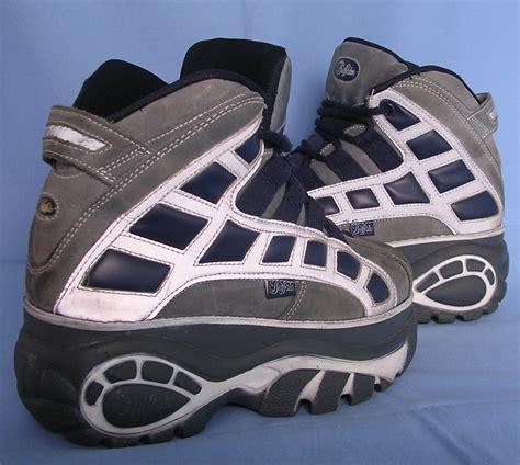 File:Buffalo boots.jpg - Wikimedia Commons