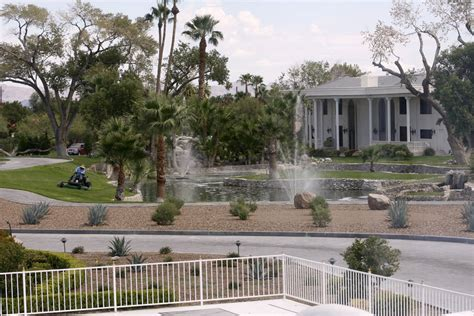 newtons house wayne newton closes las vegas estate as attraction