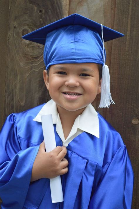 15 best preschool graduation pix images on 576 | 236a67e75069432c7e820aceace17c0b cap and gown preschool graduation