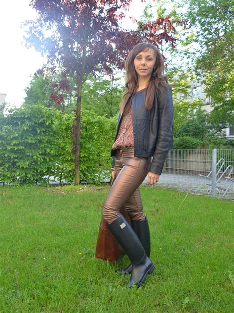 Outfit Guess Gummistiefel Fashiontipp