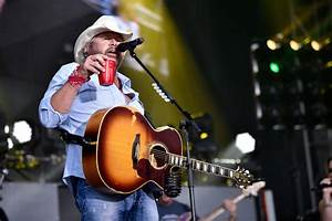 Toby Keith tells the story behind 'Should've Been a Cowboy ...