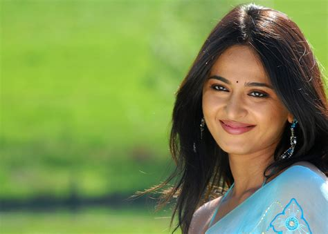anushka shetty hd wallpapers ~ wall pc