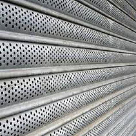 rideau metallique cuisine rideau métallique à lames microperforées toulouse stores