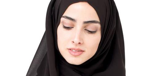 tips memilih warna hijab  sesuai  warna baju